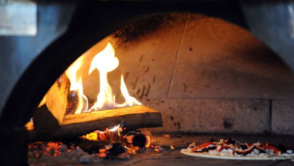 Hot Pizza Oven