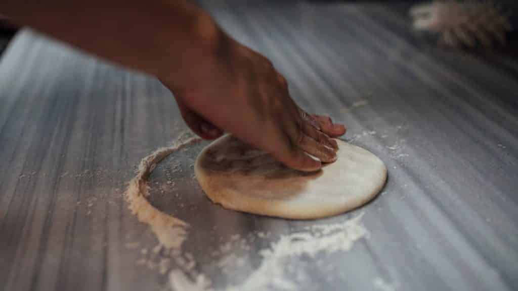 pizza dough not stretchy